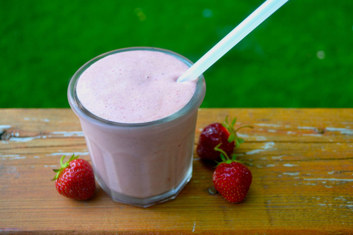 chocolatecoveredstrawberrysmoothie2